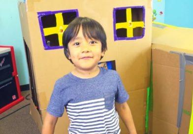 6χρονος youtuber βγάζει 9,2 εκατ. τον χρόνο (vid)