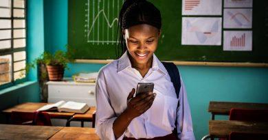 Το Ίδρυμα Vodafone και το Girl Effect συνδέουν7 εκατ. ευάλωτες έφηβες