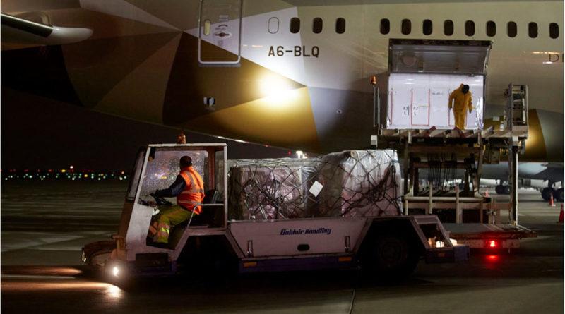 Στην Αθήνα 11 τόνοι ιατρικού υλικού από τα Ηνωμένα Αραβικά Εμιράτα