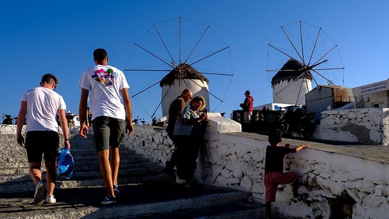 Κράτη χωρίς πρωτόκολλο καραντίνας ανταγωνίζεται η Ελλάδα για το καλοκαίρι